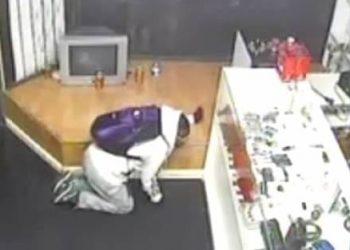 Thief Caught Beaten Up